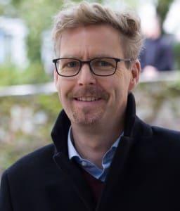 Dr. Oliver Niehuis